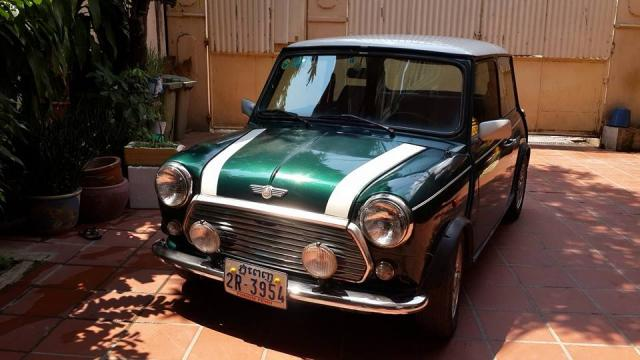 1994 Mini Cooper Original Racing Green Engine